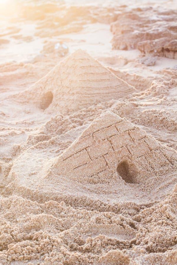 Zandige piramide royalty-vrije stock foto