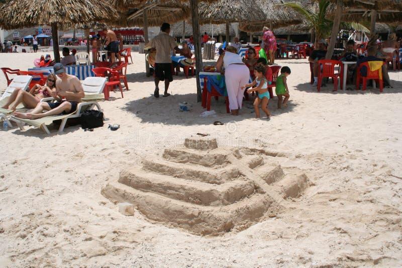 Zandkasteel op Yucatan stock foto's
