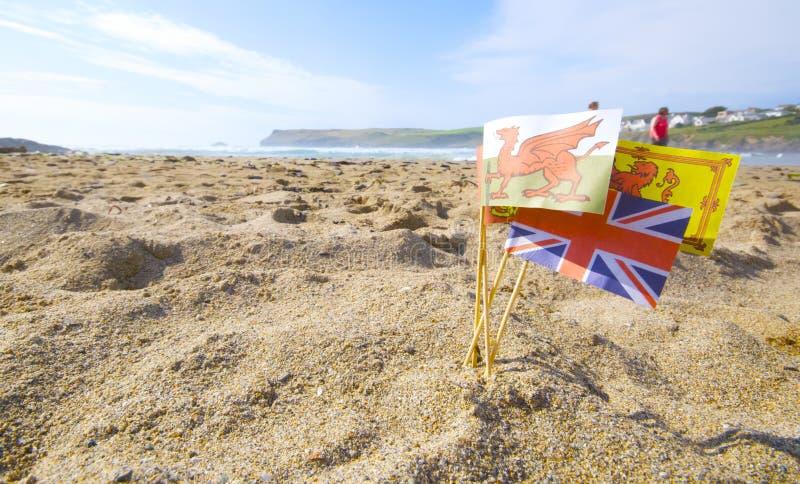 Zandkasteelvlaggen royalty-vrije stock afbeelding