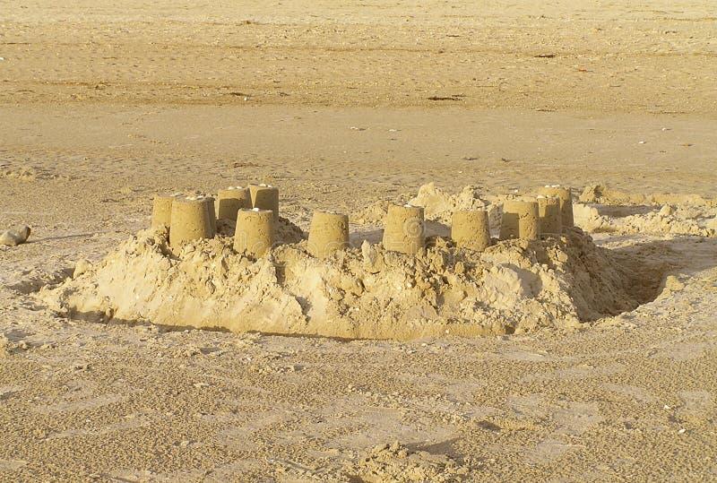 Download Zandkastelen stock afbeelding. Afbeelding bestaande uit building - 32001