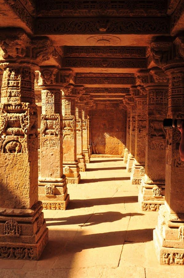 Zandsteen tempel en Waterstorage-Stap goed van Ranien ki Vav royalty-vrije stock afbeelding