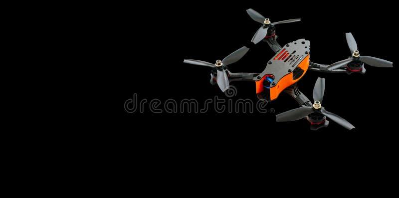 Zangões que competem o quadrocopter de FPV feito da fuligem, zangão pronto para o passatempo do voo, o à moda e o moderno em uma  foto de stock