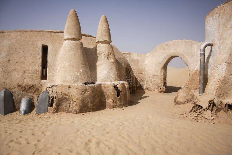 Zaniechana gwiezdnej wojny wioska w saharze Tunezja obrazy stock