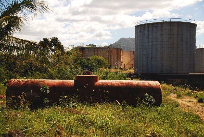 Zaniechani Nafciani zbiorniki w Vitoria, Brazil_03 zdjęcie royalty free