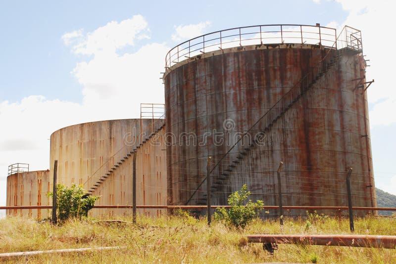 Zaniechani Nafciani zbiorniki w Vitoria, Brazil_08 zdjęcia stock