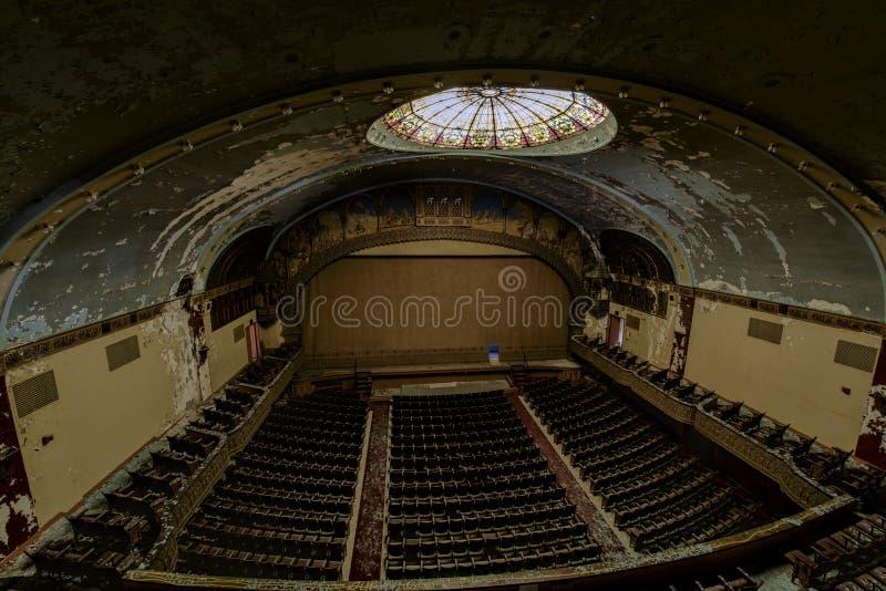 Zaniechany i Historyczny Irem Świątynny teatr dla Shriners - Barre, Pennsylwania obraz royalty free