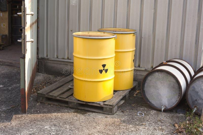 zaniechany odpady nuklearne fotografia stock