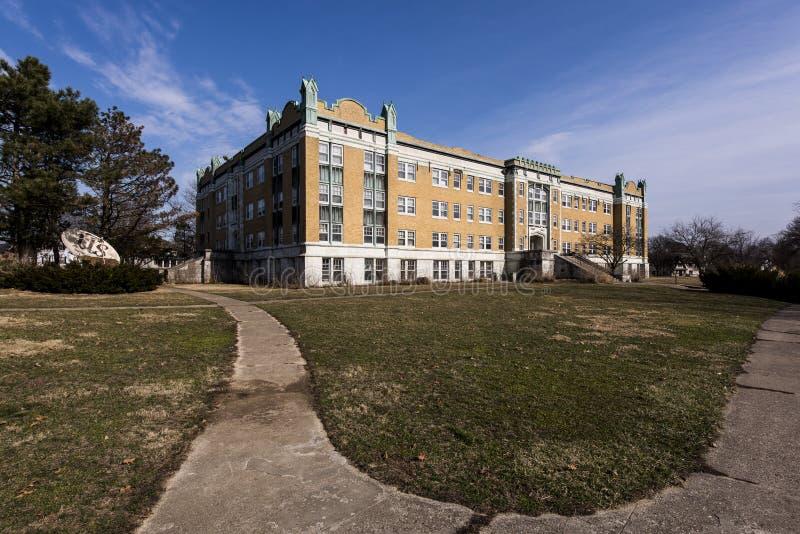 Zaniechany szkoła wyższa budynek - Ohio zdjęcia stock