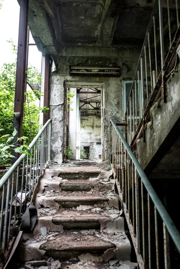 Zaniechany szkolny ganeczek w Pripyat fotografia royalty free