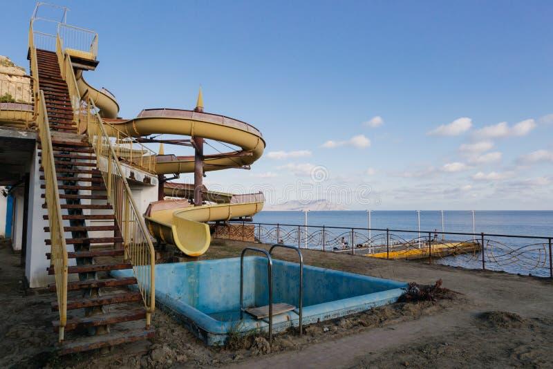 Zaniechany wodny park rozrywki fotografia royalty free