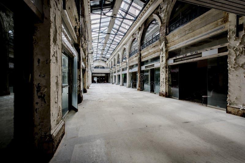 Zaniechany zakupy centrum handlowe - Dayton, Ohio fotografia royalty free