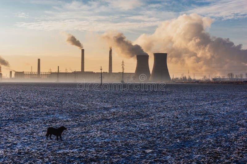 Zanieczyszczać Dymne sterty obrazy stock