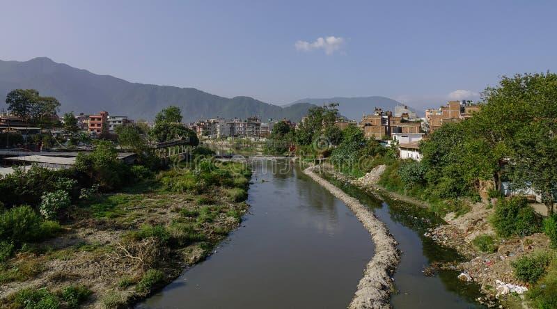 Zanieczyszczająca rzeka w Kathmandu, Nepal zdjęcie stock