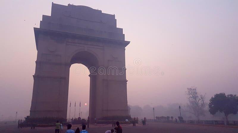 Zanieczyszczający Delhi, Wzrastający zanieczyszczenie i dym petardy w Delhi, zdjęcie stock