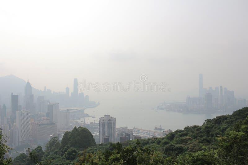 Zanieczyszczenie powietrza wiesza ove Hong Kong od Sir Cecil Jadącego obrazy royalty free