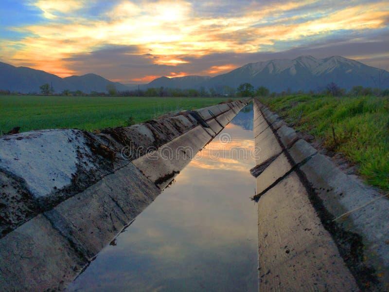 Zanja de irrigación de la inundación foto de archivo libre de regalías