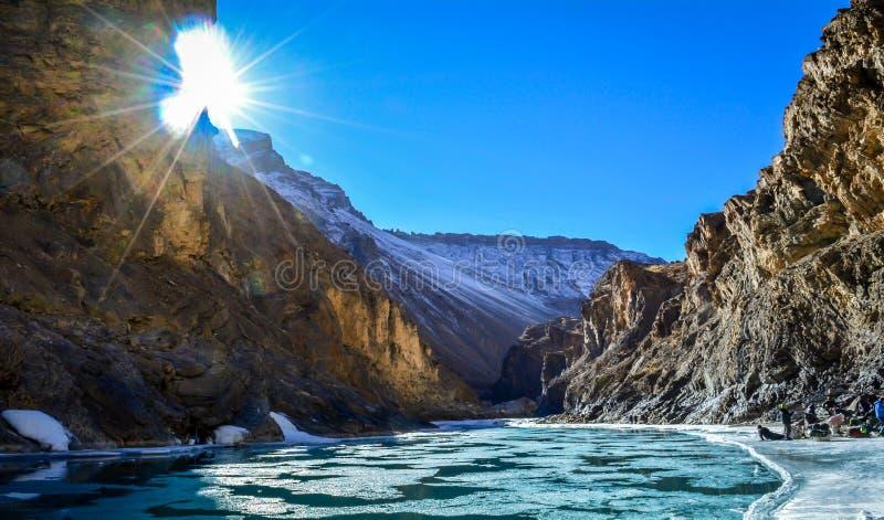 Zanskarrivier tijdens Chadar-Trek royalty-vrije stock foto
