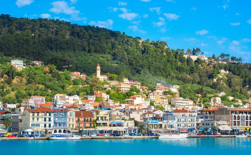 Zante stadpanorama från havet Solig sommardag på ön royaltyfri foto