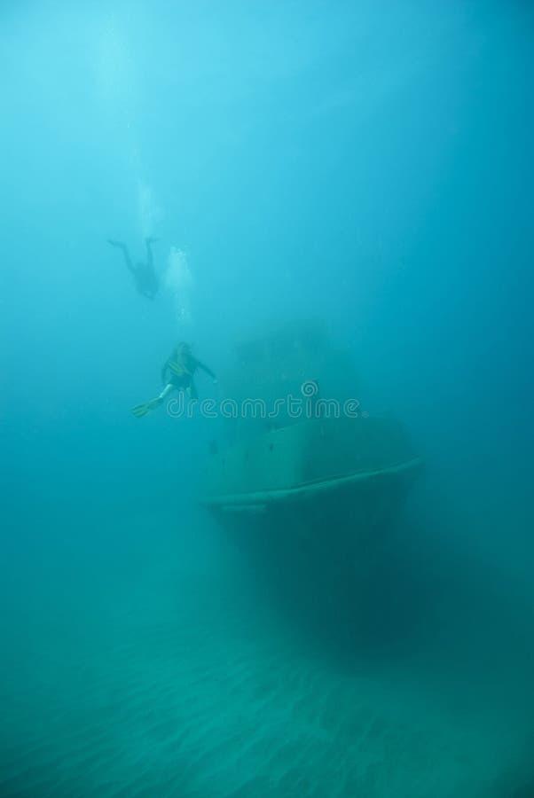 Zanurzający statek pod wodą obrazy stock