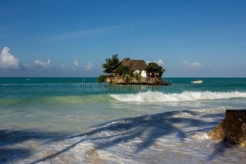 Zanzibar, mare del turchese, natura unica, isola di paradiso fotografia stock libera da diritti