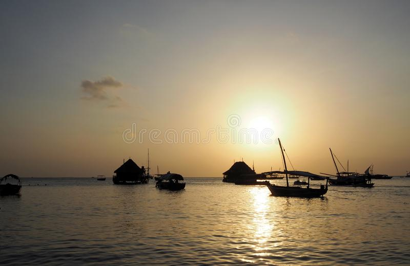 Zanzibar strand på solnedgången arkivfoto
