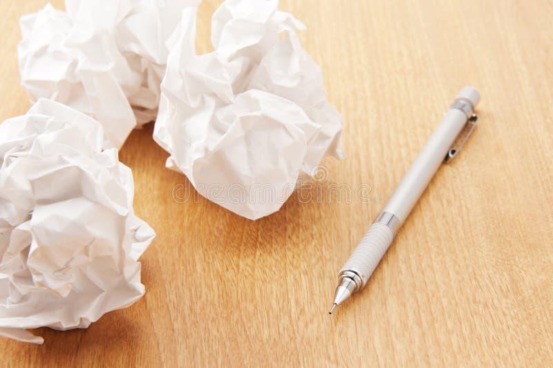 Zaokrąglony papier i machinalny ołówek zdjęcia stock