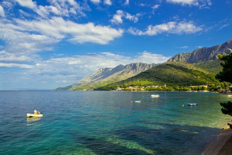 Zaostrog - деревня красивого Далматина адриатическая в Хорватии стоковое фото rf