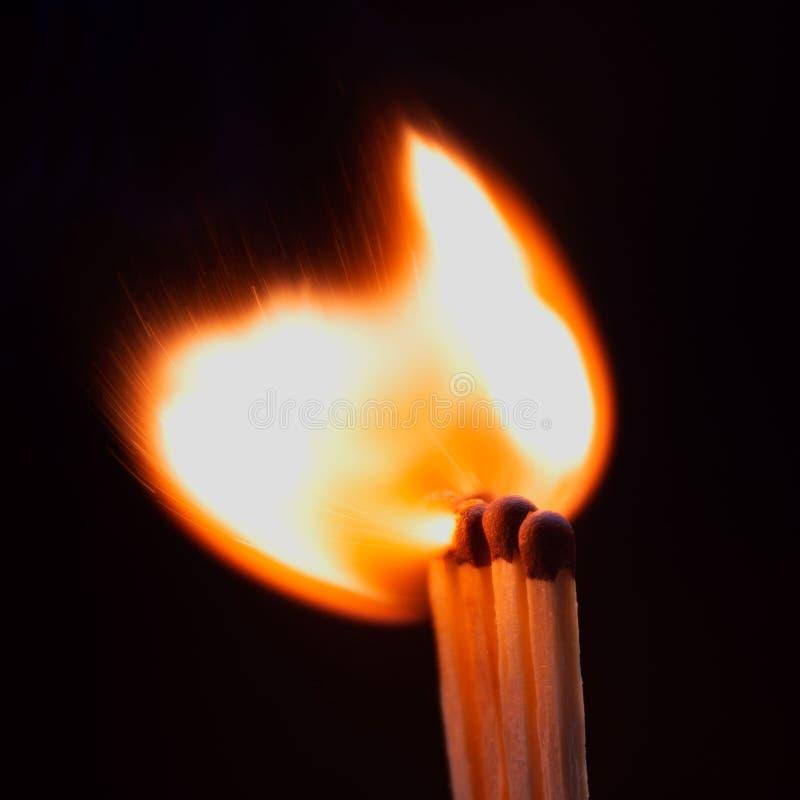 Zapłon dopasowanie z dymem zdjęcie stock