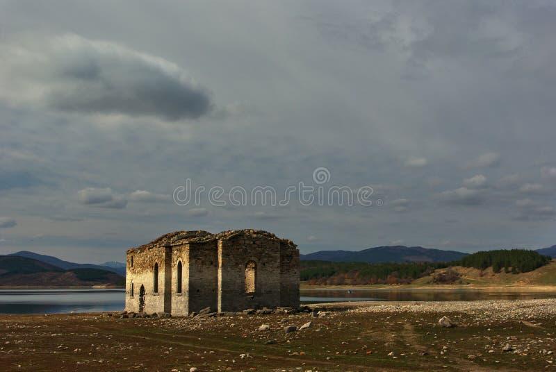 Zapadnięty kościół zdjęcie stock