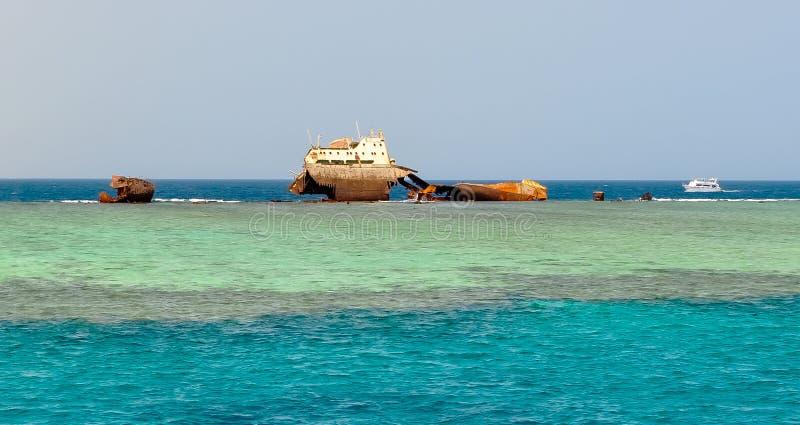 Zapadnięty statek w Czerwonym morzu blisko sharm el sheikh, Egipt zdjęcie stock
