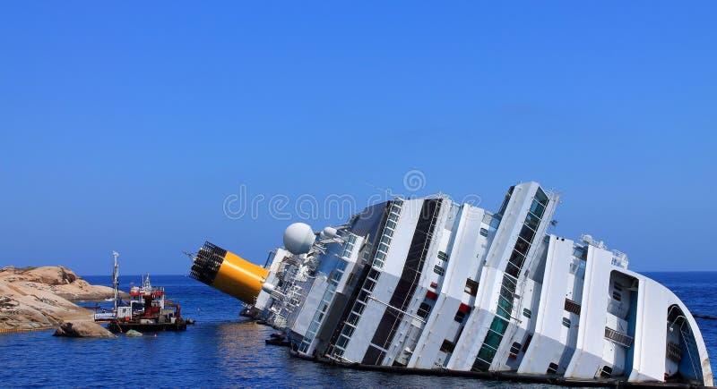 Zapadnięty statek wycieczkowy fotografia stock