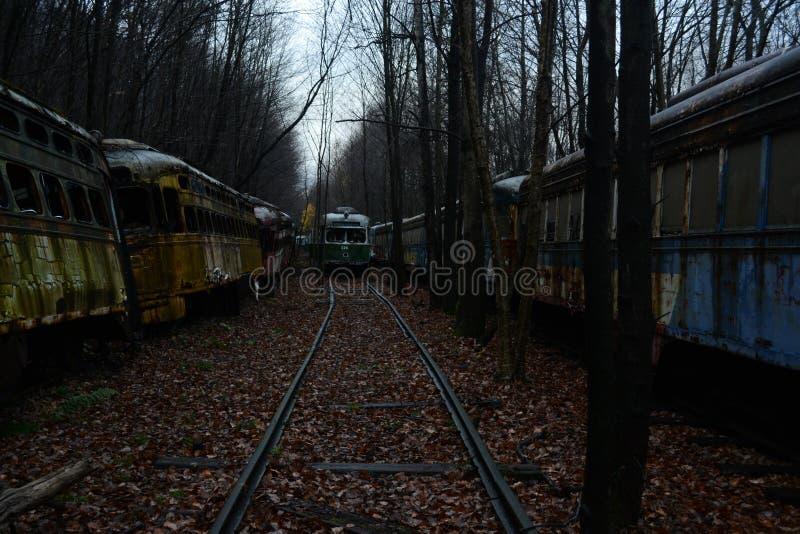 Zapamiętanie tramwaju cmentarz w drewnach zdjęcia royalty free