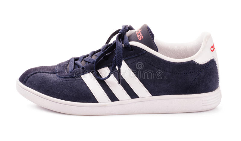 Zapatilla de deporte azul de Adidas para correr fotos de archivo