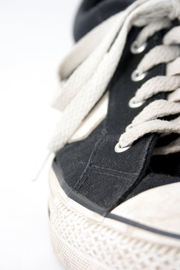 Zapatilla de deporte desgastada sucia 2 imagen de archivo libre de regalías