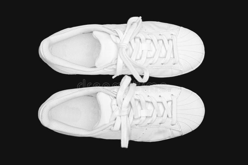 Zapatillas de deporte blancas foto de archivo libre de regalías