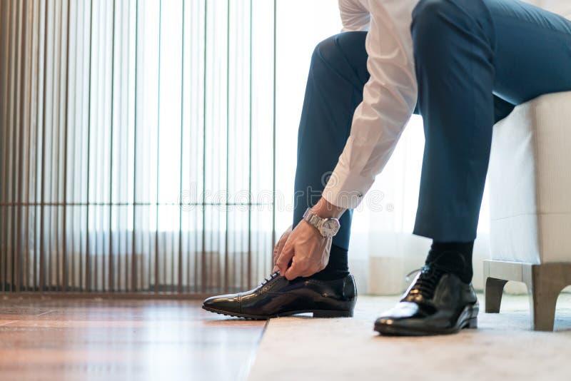 Zapato de Tieing imagenes de archivo