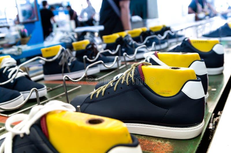 Zapato que hace la fábrica foto de archivo libre de regalías