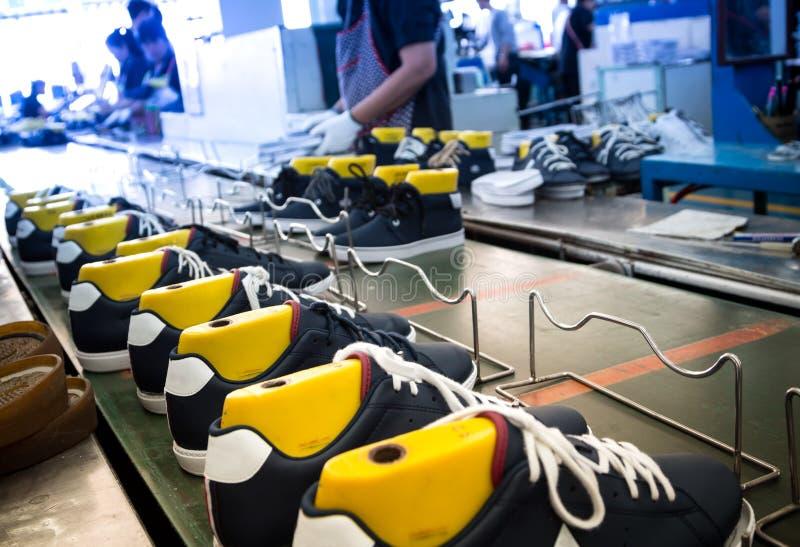 Zapato que hace la fábrica fotografía de archivo libre de regalías