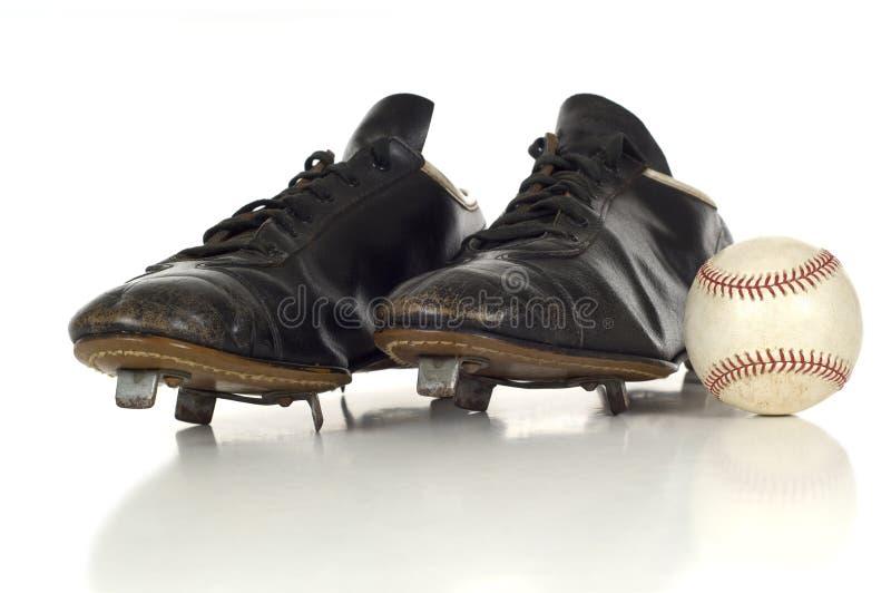 Zapatos antiguos del béisbol de la vendimia fotos de archivo
