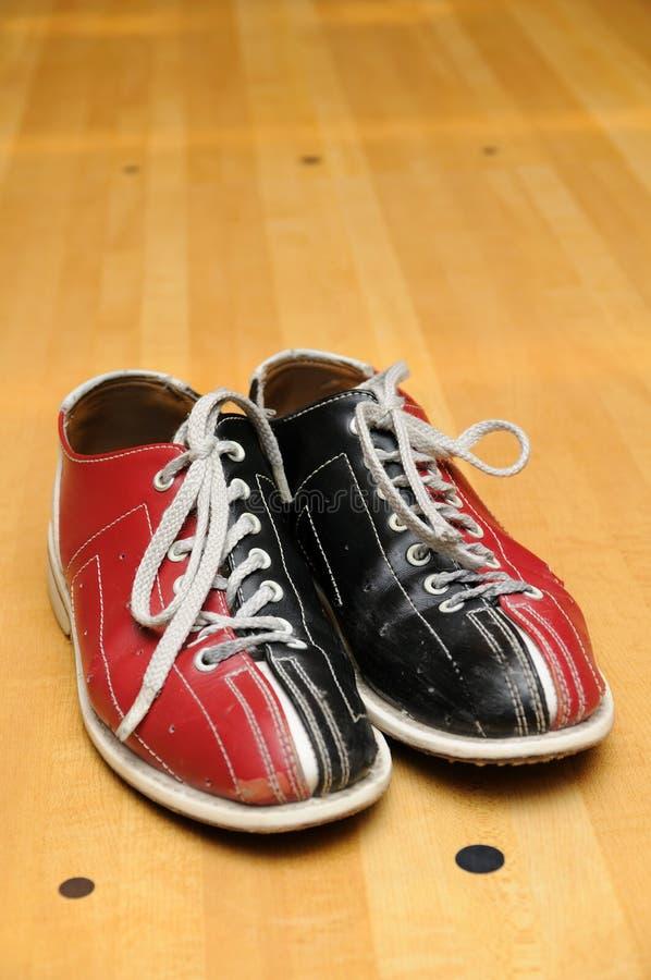 Zapatos de bowling fotos de archivo