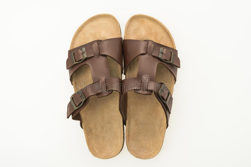 Zapatos de cuero de la sandalia y de la chancleta de los hombres imagenes de archivo