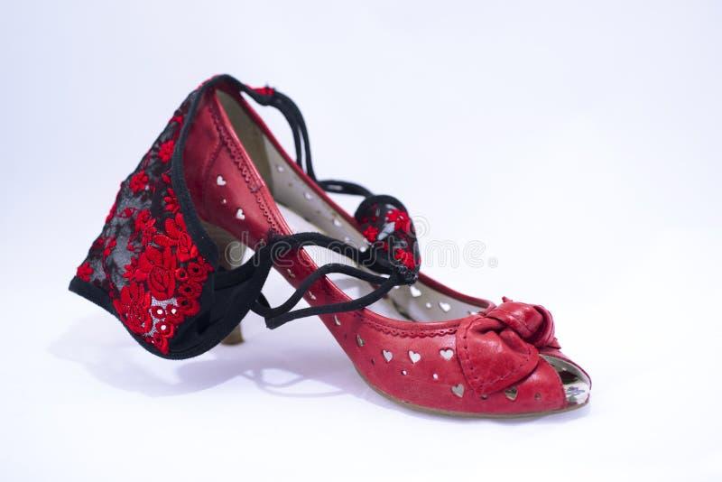 Zapatos de la mujer con las bragas de la mujer en él fotos de archivo libres de regalías