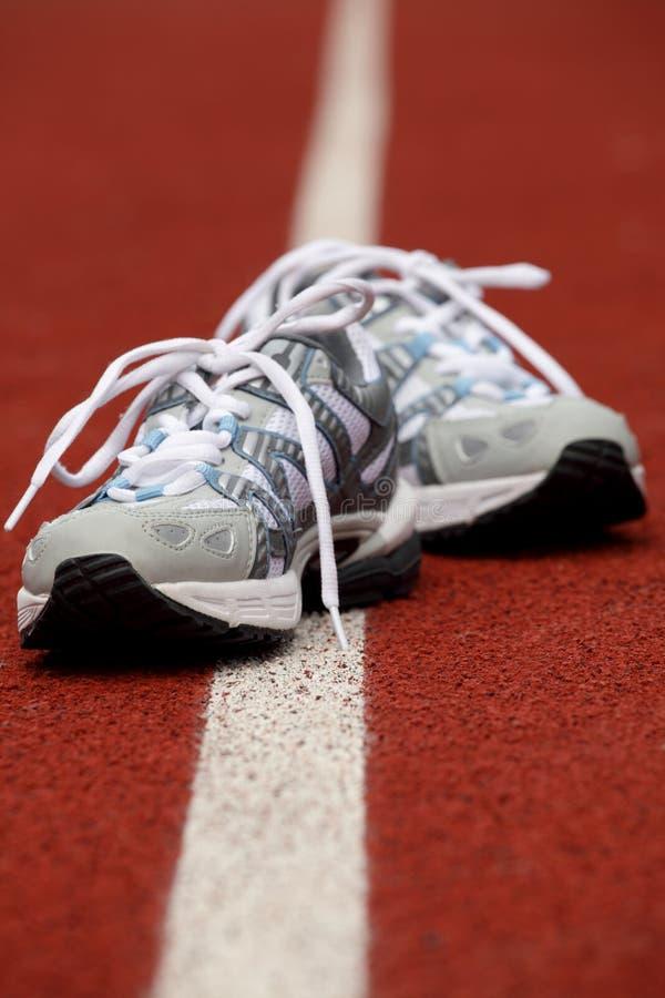 Zapatos de los deportes para el tenis fotografía de archivo