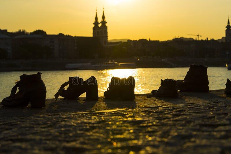 Zapatos del hierro del monumento en memoria del ejecutado fotografía de archivo libre de regalías