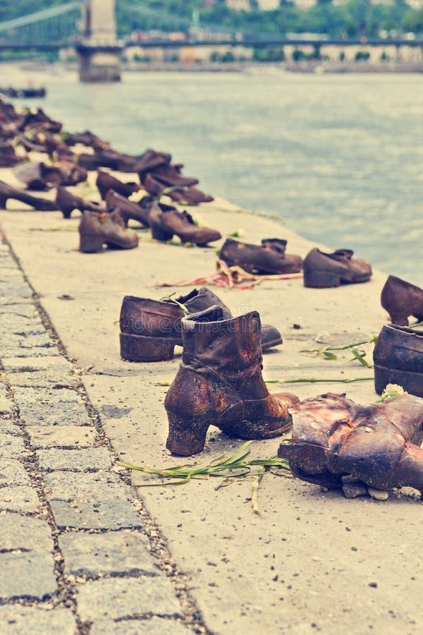 Zapatos del metal a lo largo del río Danubio en Budapest imagen de archivo libre de regalías