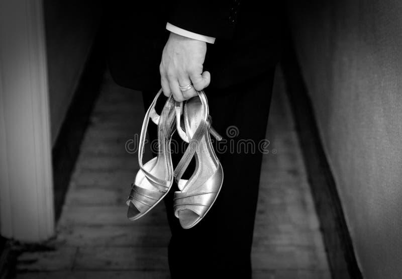 Zapatos del novio y de la boda foto de archivo