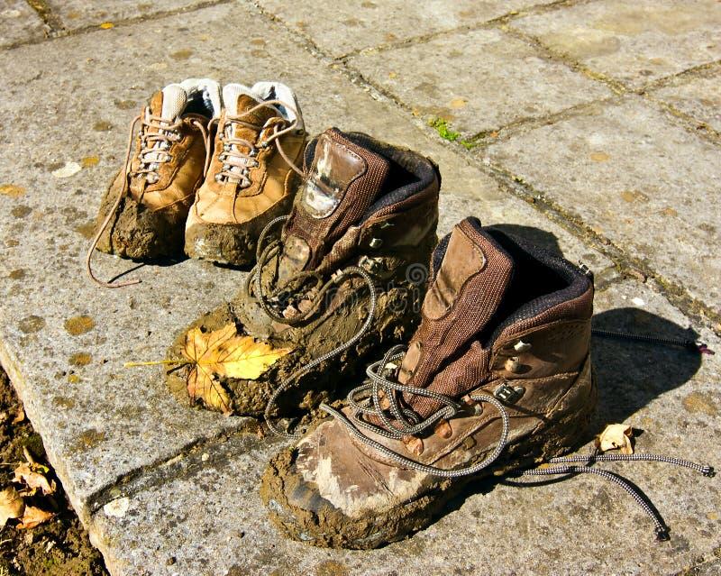 Zapatos fangosos foto de archivo libre de regalías