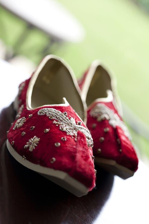 Zapatos indios de la boda foto de archivo