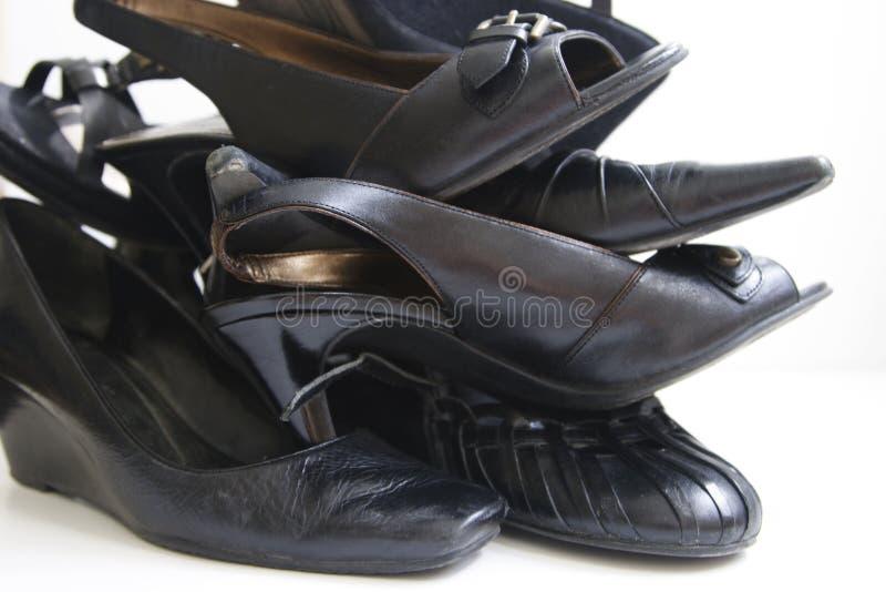 Zapatos negros imagenes de archivo