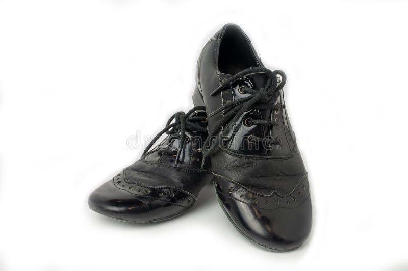Zapatos para la coreografía del salón de baile, para el cierre del hombre para arriba fotos de archivo